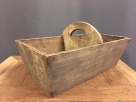 Oude houten bak met handvat nr.2