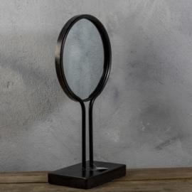 Metalen spiegel op staandaard M