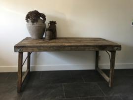 Oude houten markttafel nr.2