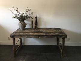 Oude houten markttafel nr.1