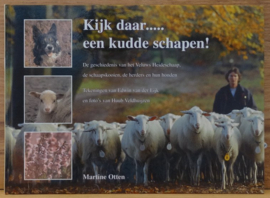 Kijk daar ......een kudde schapen! - Martine Otten