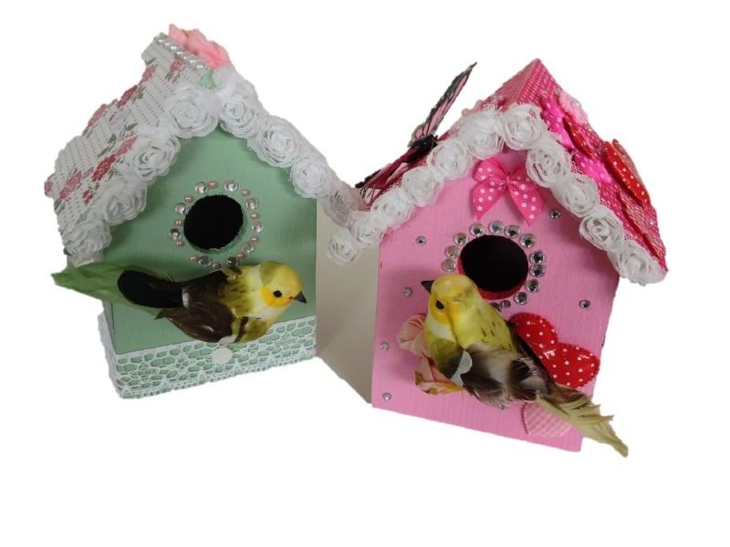 Thuisfeestje klein vogelhuis