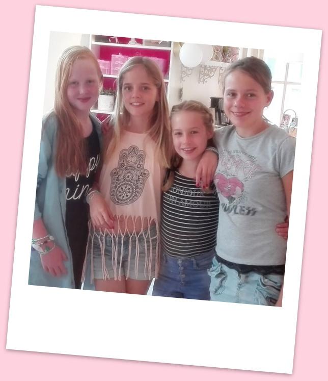 Kinderfeestje Ibiza armbanden maken