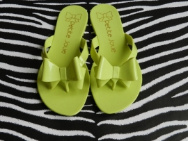 Petite Jolie flipflops lemon green met strikje.