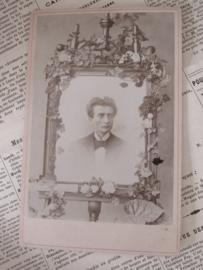 Theodoor's 20e verjaardag ...  Anno 1898