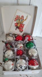 12 stuks prachtige oudjes in doos met dks. + oude kerstkaart uit de jaren 50.