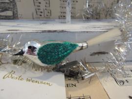 Vogeltje op Clip. Zilver, groen besuikerd