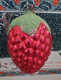 Antieke GROTE kerstbal: AARDBEI. 9,5 cm. hoog!