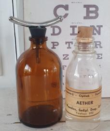 Oud/antiek Anesthesie flesje + AETHER flesje met kurk