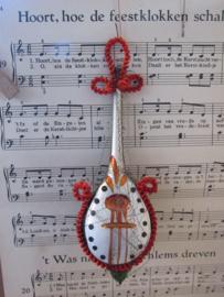 Antieke kerstbal: Grote Mandoline - Luit. Met chenille en leonisch draad. 16½ cm. hoog
