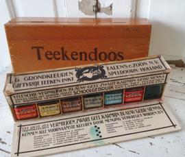 Oude/antieke doos 'Giftvrije Teekeninkt' van TALENS.  6 fleschjes grondkleuren