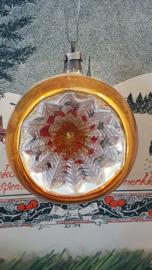 Prachtige oude/antieke deukbal in oud goud aan oud hangertje