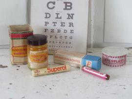 5-delige set oude/antieke Apotheekverpakkingen - medicijnen. o.a. KLOOSTERBALSEM