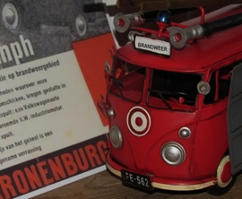 VW FIRE TRUCK 1955. Model. Metaal
