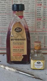 Oude/antieke fles TALENS: REMBRANDT watervaste tekeninkt + klein flesje inkt