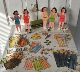 Uit 1938: Reclameartikel van PALMOLIVE: de wereldberoemde DIONNE Vijfling aankleedpopjes + Palmolive zeep