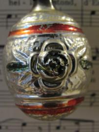 Antieke kerstbal: Vaas (?)/kruik met rozen aan beide zijden