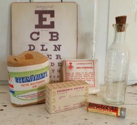 5-delige set: oude verbandmiddelen Utermöhlen, medicijndoosje etc