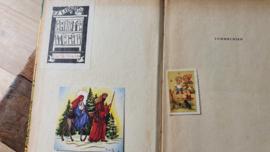 Prachtige bundel van 7 stuks oude kinderboekjes + antieke kinderkaart en bedel wijzerplaat