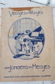 VERSJES en WIJSJES voor Jongens en Meisjes. N.V. de Lever's Zeep. Met reclame - A