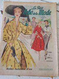 Uit Juni 1952:Tijdschrift:  Le Petit ECHO de la MODE