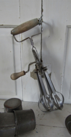 Oude Handmixer - Klopper - Handgarde. Mooi fors model!