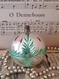 Oude/antieke kerstbal: Prachtig oudje met dennentakjes en kaarsjes
