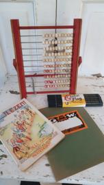 Mooie 4-delige set oude&nostalgische schoolspulletjes: o.a. oud teltaam en schoolschrift