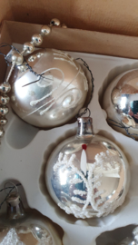 Doosje met 5 prachtige oudjes! o.a. kerstman