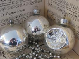 Set van 3 grote oude/antieke kerstballen: o.a. deukbal - reflexbal