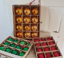 Uit oude winkelvoorraad: 36 st. prachtige echte oudjes in dozen - J