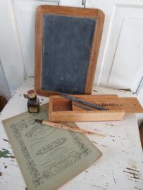 6-delig: Prachtige oude/antieke Schoolspullen: o.a. Griffeldoos