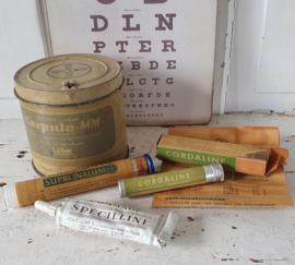 Prachtige set oude Apothekersspullen/verpakkingen. o.a. plaatselijke verdoving