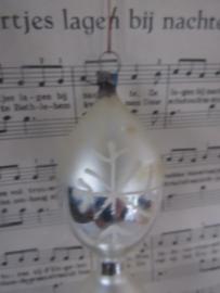 Oude/antieke kerstbal. 14 cm. hoog! Diabolo met deco. Czechoslovakia