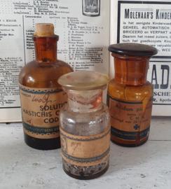 Set van 3 prachtige antieke flesjes O.P.G. Onderlinge Pharmaceutische Groothandel, Amsterdam.