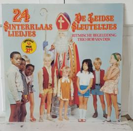 Nostalgische Sintdecoratie: LP 24 Sinterklaasliedjes. De Leidse Sleuteltjes. Trio Rob van Dijk. 1978