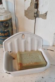 Antiek emaille Zeepbakje + oud stuk SUNLIGHT zeep. Wit
