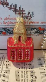 Kerkje in rood met goudglitter
