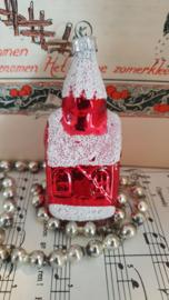 Oude/antieke kerstbal: Rood besuikerd kerkje. GDR
