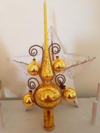 Prachtige Piek in goud met 4 bolletjes.