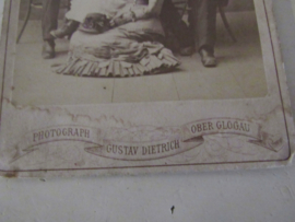 Antieke grote kabinetfoto 'En Famille'. Ca. 1900