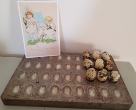 Oude chocolademal paaseitjes