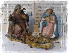 Grote 3-delige set. Kersttafereel Maria, Jozef en het Kindeke in de kribbe