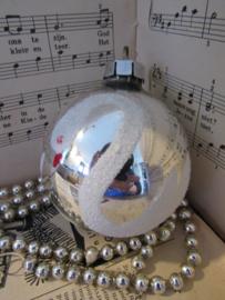 Oude/antieke kerstbal: Met prachtige besuikerde Zwaan. G.D.R.