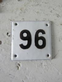 Oud emaile huisnummer 96. Bol metopliggende cijfers
