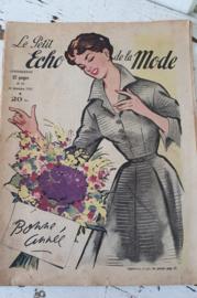 Uit December 1952: tijdschrift Le Petit ECHO de la MODE