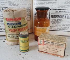 4-delige set oude/antieke Apothekersspullen; o.a. medicijndoosje/leukoplast uit 1914