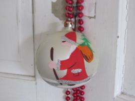 Oude GROTE kerstbal. Zilverwit met KERSTMAN