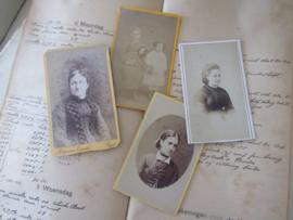 set van 4 CDV's - Cartes de Visite - uit ca. 1900 - 9