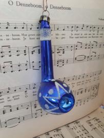 Oud/antiek kerstfiguur: Grote pijp in blauw. Besuikerd. ca. 12 cm.